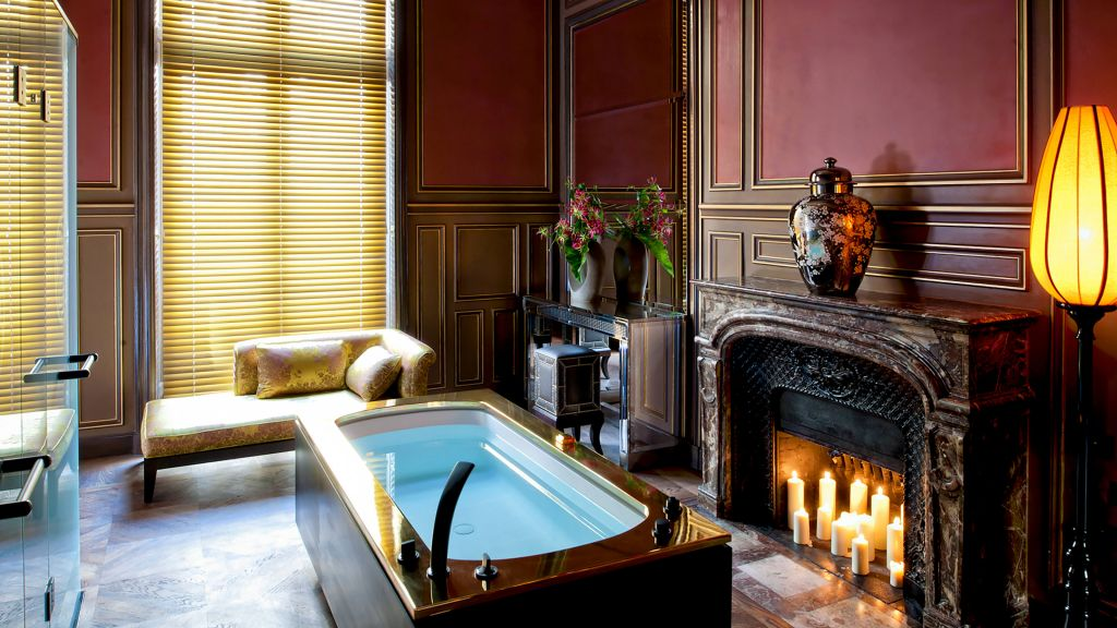 Buddha bar hotel paris le de france france for Hotel des bains paris france