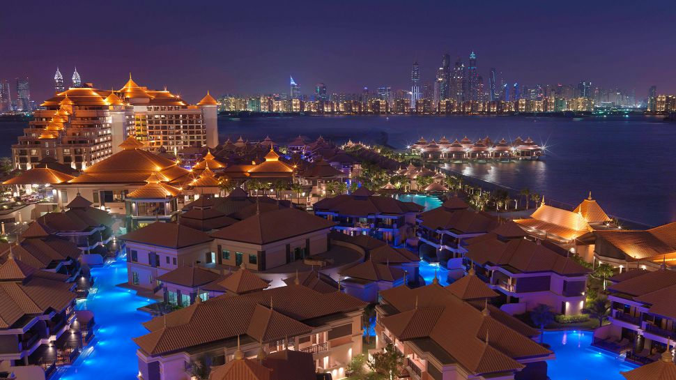 Luxury hotels in united arab emirates kiwi collection for Top resorts in dubai