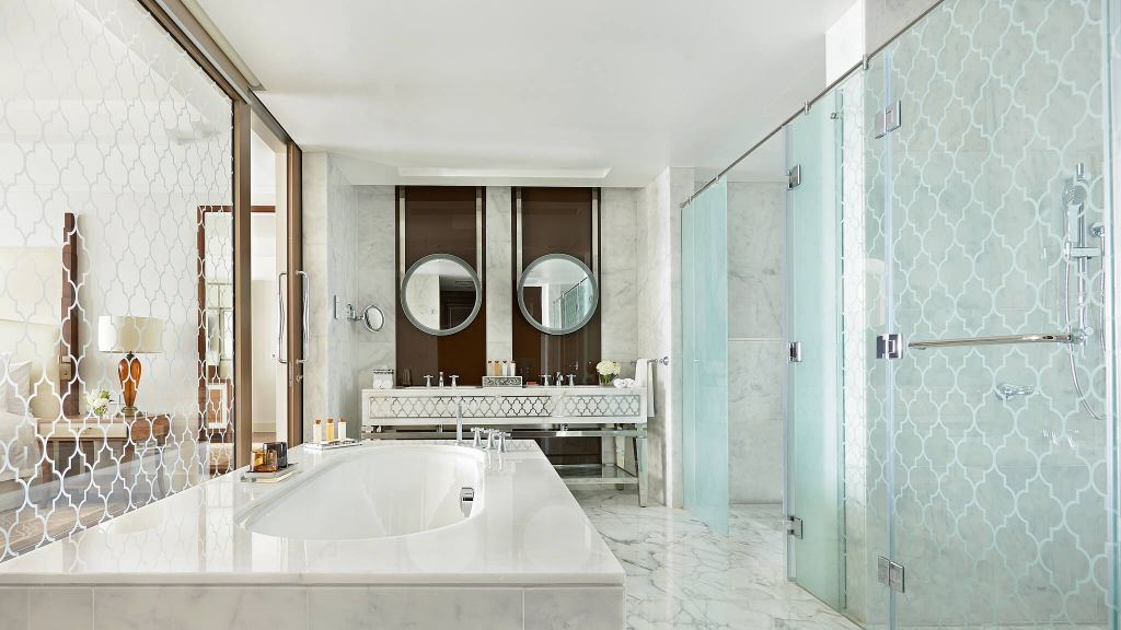 Waldorf astoria dubai palm jumeirah dubai united arab for Bathroom design uae