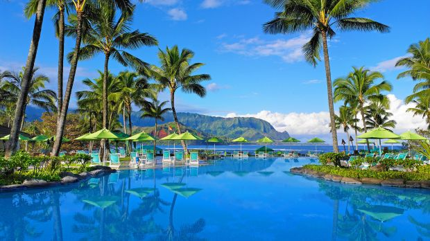 Explore luxury honeymoon hotels in Hawaii