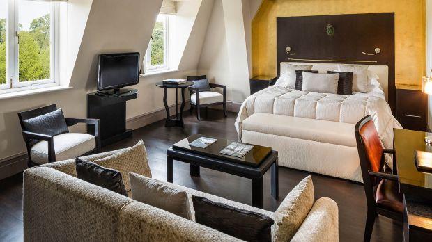 Baglioni hotel london london england for Pol junior design
